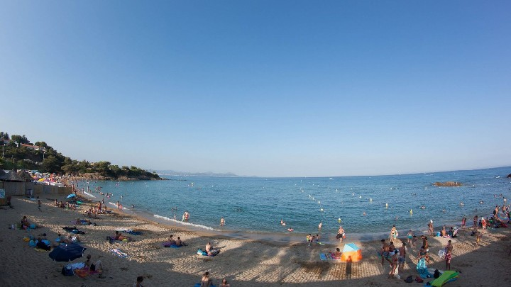 Pause baignade à la plage de la Gallarde - Circuit vélo