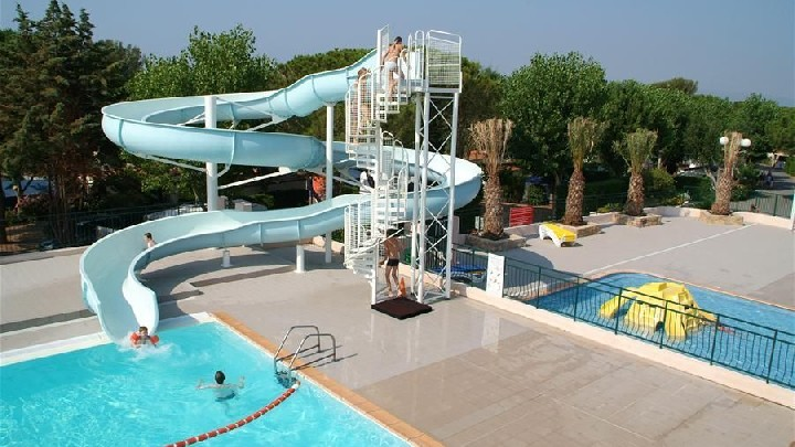 Toboggan de la piscine